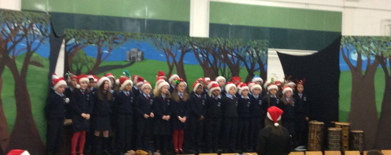 4th Class Choir takes to the stage!🎶👏